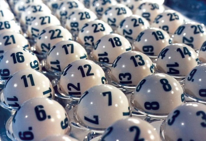 Kép lệch là cách bắt lô mà trong đó bộ số được chọn sẽ có 2 chữ số là bóng âm dương của nhau