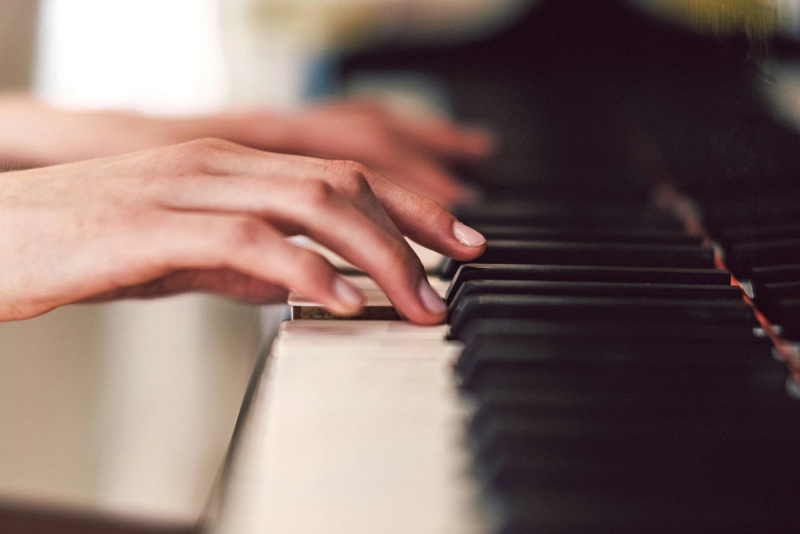 Chiêm bao thấy chồng đánh đàn Piano